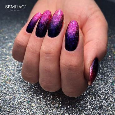 Look at this #glam #gelpolish #mani made in #glitterombre trend by @anna_kidawka ____💖____ WWW. #SEMILAC .IE