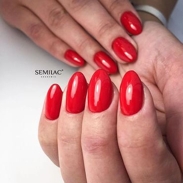 231 Girl on FIRE🔥 available at www.semilac.ie . #rednails #gelpolish #nails #nailinspo #mani #nailstyle #nailtech #hybrydy #paznokcie #nails4today #semilacireland #semilacnails #semilac #semigirls