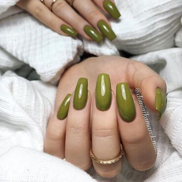 Today let's go with 💚 for a change 😉 #semilac149 by @dominikamarek.nails . www.semilac.ie #greennails #nails2inspire #longnails #semilac #semilacnails #gogreen #lovenails #nailtechnician #gelpolish #shellac #semilacireland