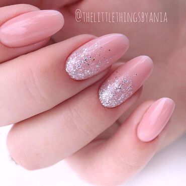 What would you say for delicate #nudenails with a little silver brilliance 💫 #nails by @thelittlethingsbyania . #semilac802 #semilacnuderose #semilacnails #nailsoftheday #glitternails #semilac #semilac5in1 #semilacireland #gelpolishnails